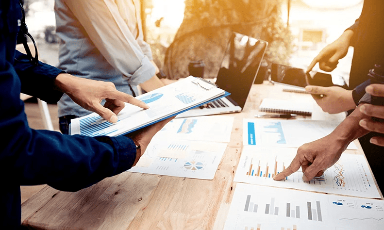 Financial Reports vs Management Reports